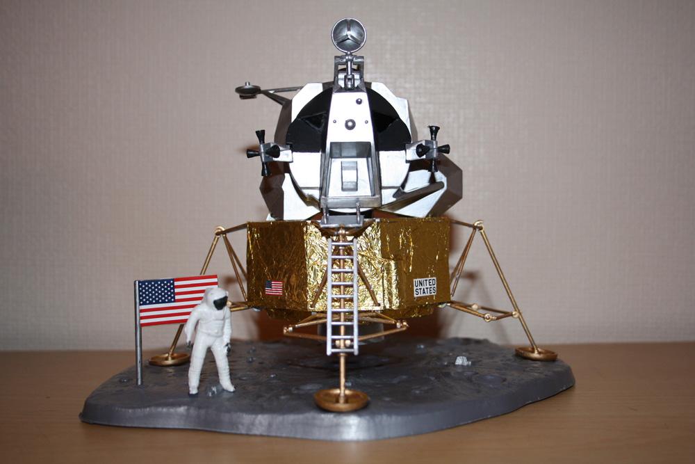 Apollo Lunar Module Model - Pics about space